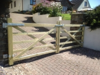Pair of 5 bar field gates